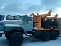 Трубоплетевозный тягач Урал